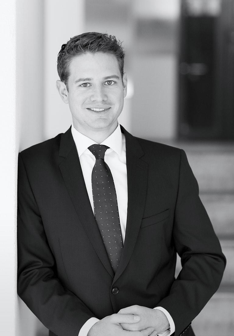Simon P. Bachmann